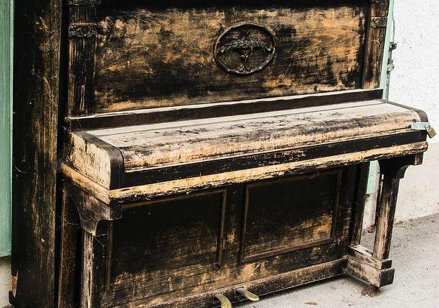 piano-antiguo
